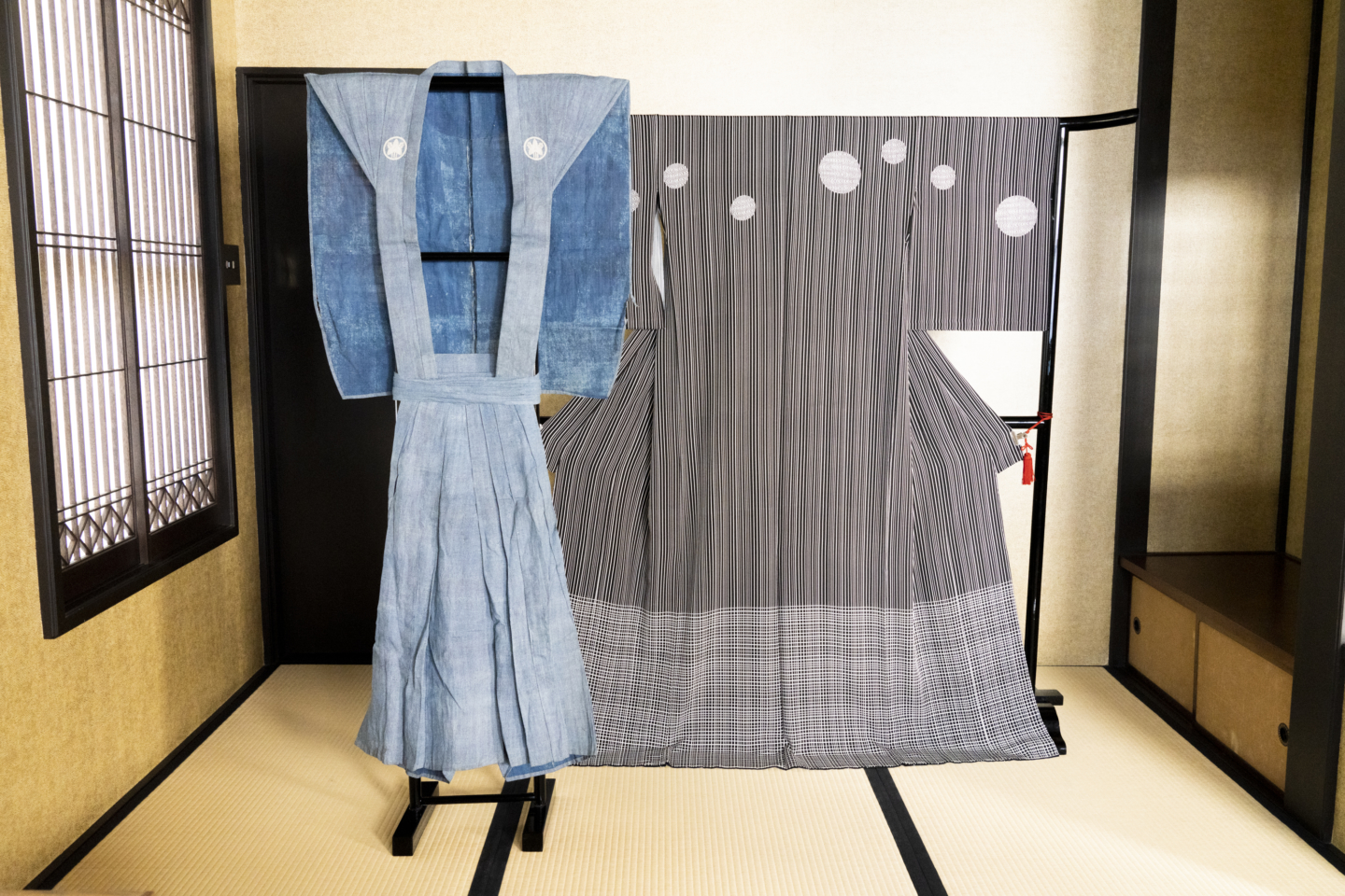 """""""I think passing on Edo Komon to the next generation gives meaning to my life"""". What is this idea of the 'world of small beauty' that the heir of the fourth generation of Hirose's dyeing factory, Mr. Yuichi Hirose, talks about?"""